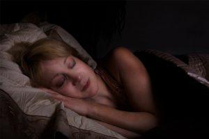 woman-asleep-in-bed